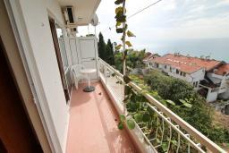 Балкон. Черногория, Ульцинь : Апартамент для 5-6 человек, с 2-мя отдельными спальняим, с балконом с видом на море