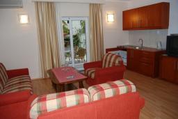 Черногория, Будва : Апартамент №2 для 4-6 человек, с отдельной спальней