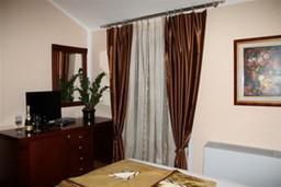 Спальня. Черногория, Будва : Двухместный номер с видом на парк (№22 TWIN PV)