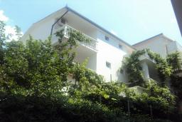 Фасад дома. Kralj 3* в Будве