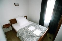 Спальня. Черногория, Рафаиловичи : Апартамент №302 с 2-мя отдельными спальнями, на третьем этаже (APP 04)