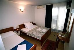 Студия (гостиная+кухня). Черногория, Рафаиловичи : Студио №304 на третьем этаже с боковым видом на море (Studio 03 SS)