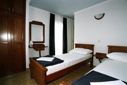 Спальня. Черногория, Рафаиловичи : Апартамент №401 с 2-мя отдельными спальнями, на четвертом этаже (APP 04)