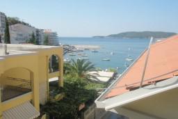 Вид на море. Черногория, Рафаиловичи : Студия №404 на четвертом этаже с боковым видом на море (Studio 03 SS)