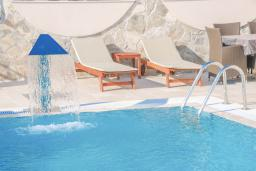 Swimming pool. Montenegro, Becici : Villa with 3 bedrooms in Becici for 8 guests
