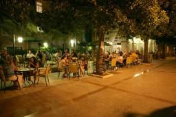 Кафе-ресторан. Aurora 4* в Герцег Нови