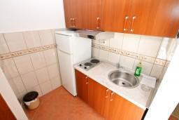 Кухня. Черногория, Дражин Врт : Студия с большой террасой с шикарным видом на море