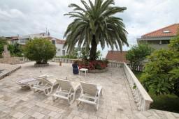 Вид на море. Черногория, Герцег-Нови : Апартамент с 1 спальней, террасой и видом на море