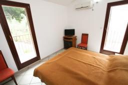 Спальня 2. Черногория, Каменово : Апартамент на 4 персоны, с 2-мя отдельными спальнями, с террасой с шикарным видом на море