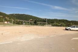 Паркинг Rocky Beach в Утехе