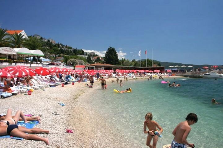 Черногория пляж рафаэлла аппартаменты купить квартиру за границей недорого у моря