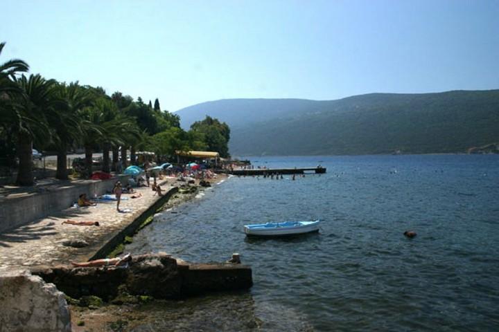 зеленика черногория пляж фото