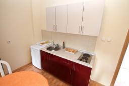 Черногория, Игало : Апартамент для 7 человек, с отдельной спальней, с балконом