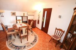 Кухня. Черногория, Биела : Апартамент для 5 человек, с 2-мя отдельными спальнями, с террасой с видом на море