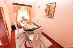 Гостиная. Черногория, Доня Ластва : Апартамент для 4-6 человек, с 2-мя отдельными спальнями, с большой гостиной, с террасой и 2 балконами с видом на море, 50 метров до пляжа