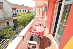 Балкон. Черногория, Доня Ластва : Студия для 4 человек, с балконом, 50 метров до моря