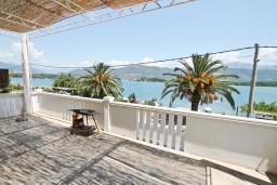 Вид на море. Черногория, Обала Джурашевича : Апартамент с отдельной спальней, с террасой с видом на море