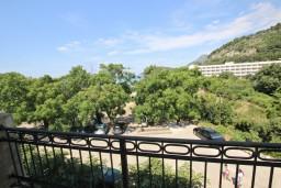 Вид на море. Черногория, Сутоморе : Апартамент с 1 спальней, два балкона с видом на море, 40 метров до пляжа