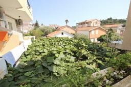 Черногория, Петровац : Апартамент с отдельной спальней, с балконом