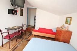 Студия (гостиная+кухня). Черногория, Тиват : Студия с террасой с видом на море
