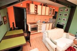 Черногория, Зеленика : Апартамент для 2-4 человек, с балконом с видом на море