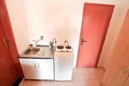 Кухня. Черногория, Селяново : Студия для 2-4 человек, 50 метров до моря