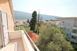 Балкон. Черногория, Дженовичи : Апартамент с отдельной спальней, с 2-мя балконами с видом на море