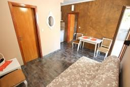 Черногория, Дженовичи : Современный апартамент для 2-4 человек, с отдельной спальней