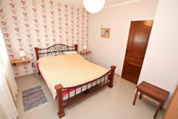 Черногория, Дженовичи : Большой, cовременный апартамент для 2-4 человек, с отдельной спальней