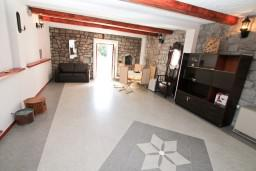 Living room. Montenegro, Zanjice & Miriste : House with 5 bedrooms in Zanjice & Miriste for 11 guests