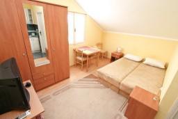 Студия (гостиная+кухня). Черногория, Кавач : Студия для 2 человек