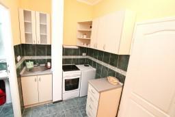 Кухня. Черногория, Кавач : Студия для 2 человек