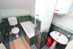 Ванная комната. Черногория, Кавач : Студия для 2 человек