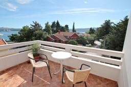 Балкон. Черногория, Селяново : Студия с террасой с видом на море, 20 метров до пляжа