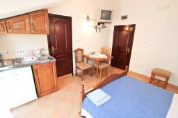 Черногория, Муо : Студия для 2-3 человек, 10 метров до моря