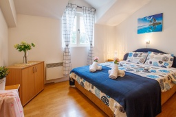 Bed room. Montenegro, Herceg-Novi : Apartment with 2 bedrooms in Herceg-Novi
