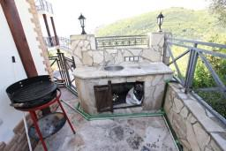 Прочее. Черногория, Бечичи : Большой 4-х этажный дом в Бечичи (Борети), площадью 450м2 с 5-ю отдельными спальнями, с большой гостиной-столовой, с 2-мя ванными комнатами, с 5-ю балконами с видом на море