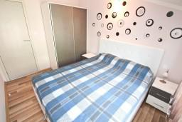 Bed room. Montenegro, Kumbor : Apartment with 1 bedroom in Kumbor