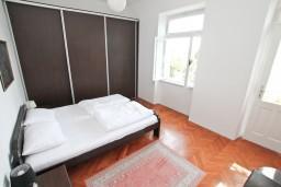 Спальня 2. Черногория, Дженовичи : Апартамент для 4-6 человек, с 2-мя отдельными спальнями, с балконом с видом на море, возле пляжа