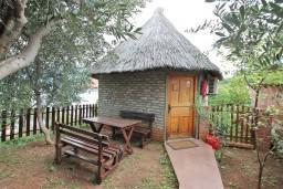 Фасад дома. Черногория, Росе : Уютный домик возле моря для  с террасой