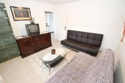 Гостиная. Черногория, Шушань : Апартамент с отдельной спальней, с террасой