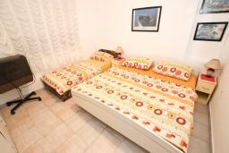 Спальня. Черногория, Шушань : Апартамент с отдельной спальней, с террасой