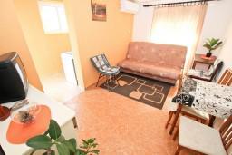 Гостиная. Черногория, Шушань : Апартамент с отдельной спальней, с балконом