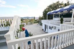 Балкон. Черногория, Шушань : Апартамент с отдельной спальней, с балконом