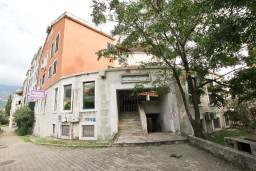 Фасад дома. BDMJ в Будве