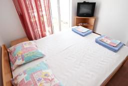 Bed room. Montenegro, Petrovac : Apartment with 1 bedroom in Petrovac