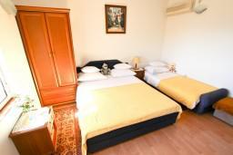 Студия (гостиная+кухня). Черногория, Святой Стефан : Студия с террасой с видом на море