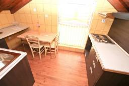 Кухня. Черногория, Котор : Студия для 2-3 человек, 50 метров до моря