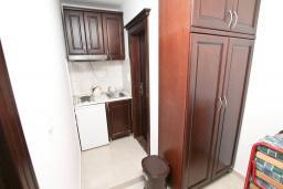 Кухня. Черногория, Игало : Апартамент в Игало в 100 метрах от пляжа
