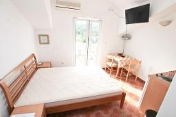 Студия (гостиная+кухня). Черногория, Бигова : Студия для 2 человек, с террасой с видом на море